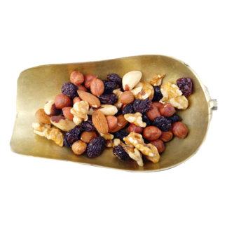 Mixed nuts and raisins